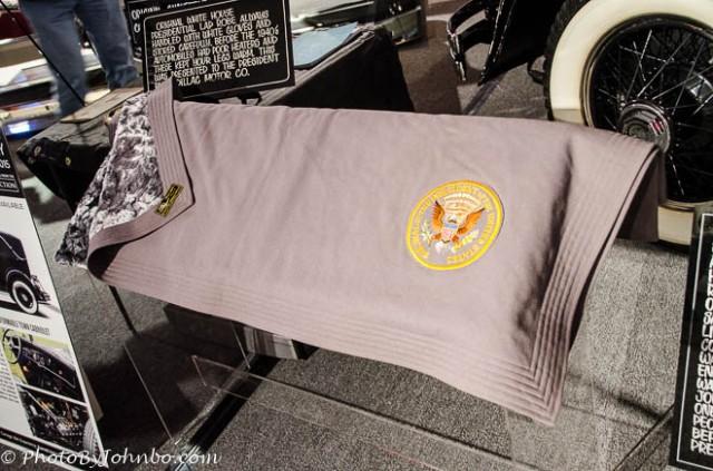 Presidential lap robe