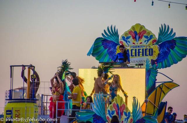 Grupo Modelo, a beer distributor, sponsored Carnaval 2015.