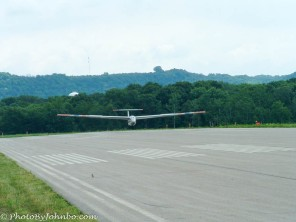 After only a few more moments, the glider transitions to ground roll, then shortly thereafter to a full stop.