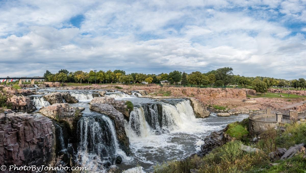 Falls Park - Sioux Falls Namesake